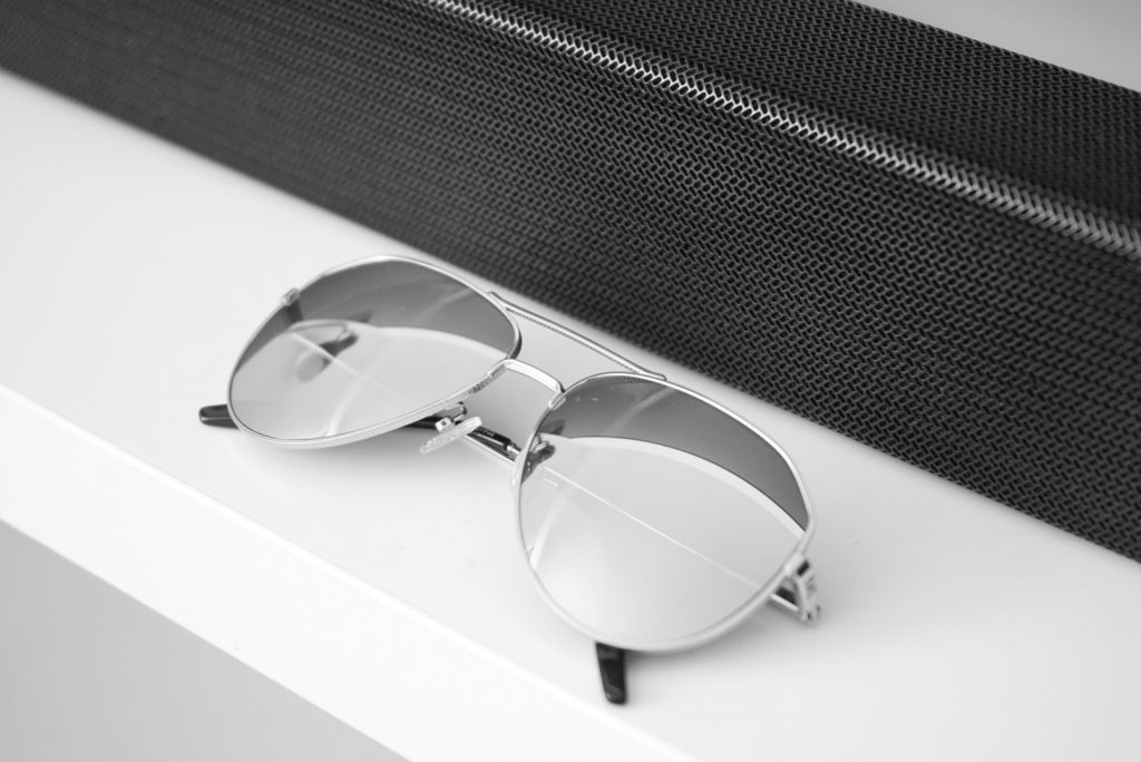 Aviator sunglasses with reflective lens by IVI Vision